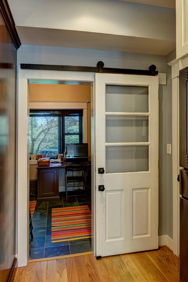 Modern Sliding Door_McLean