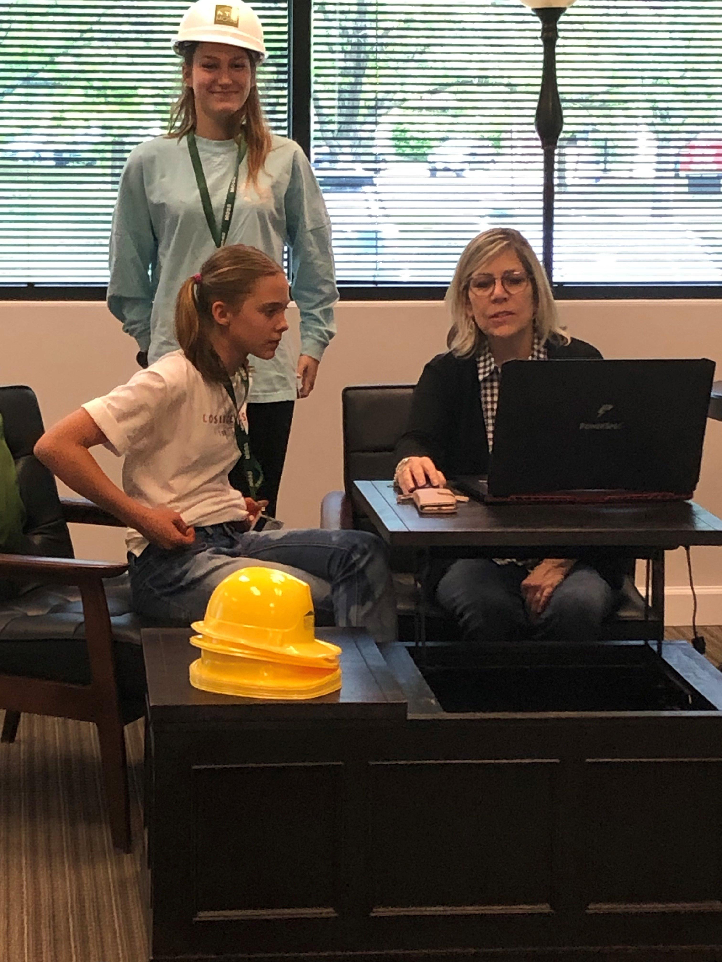 Child work day design station