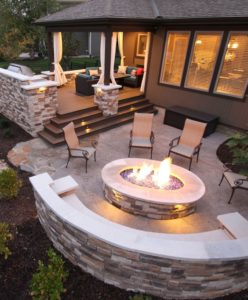 Outdoor fire pit patio