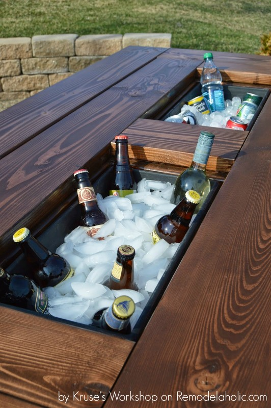 Build-a-patio-table-with-built-in-drink-coolers-from-planter-boxes-Kruses-Workshop-on-@Remodelaholic-532x800
