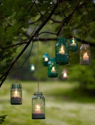 Outdoor-Mason-Jar-Lighting-Projects-1.jpg