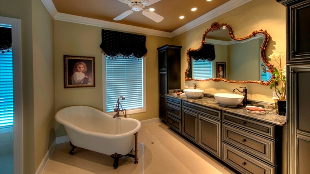 traditional-bathroom2.jpg