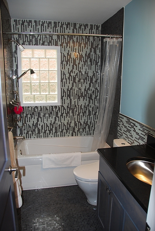 Design-Inspiration-Salander-Bathroom-Dark-Floors