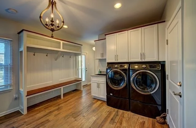 Herndon-Laundry-Mudroom-Combo-jpeg-640-427