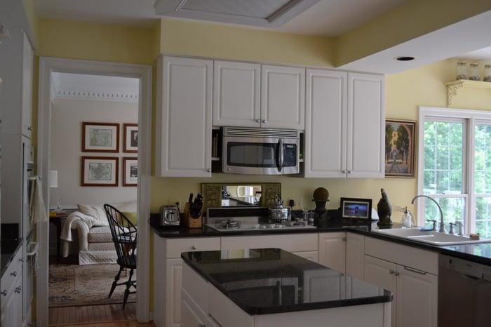 Reston-Kitchen-Before-1-1024x683