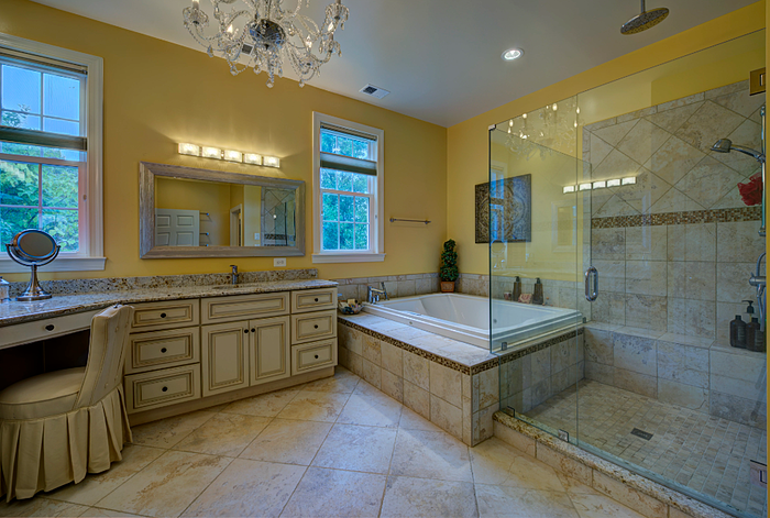 Yellow-Oakton-Bathroom-jpg-7378-4924