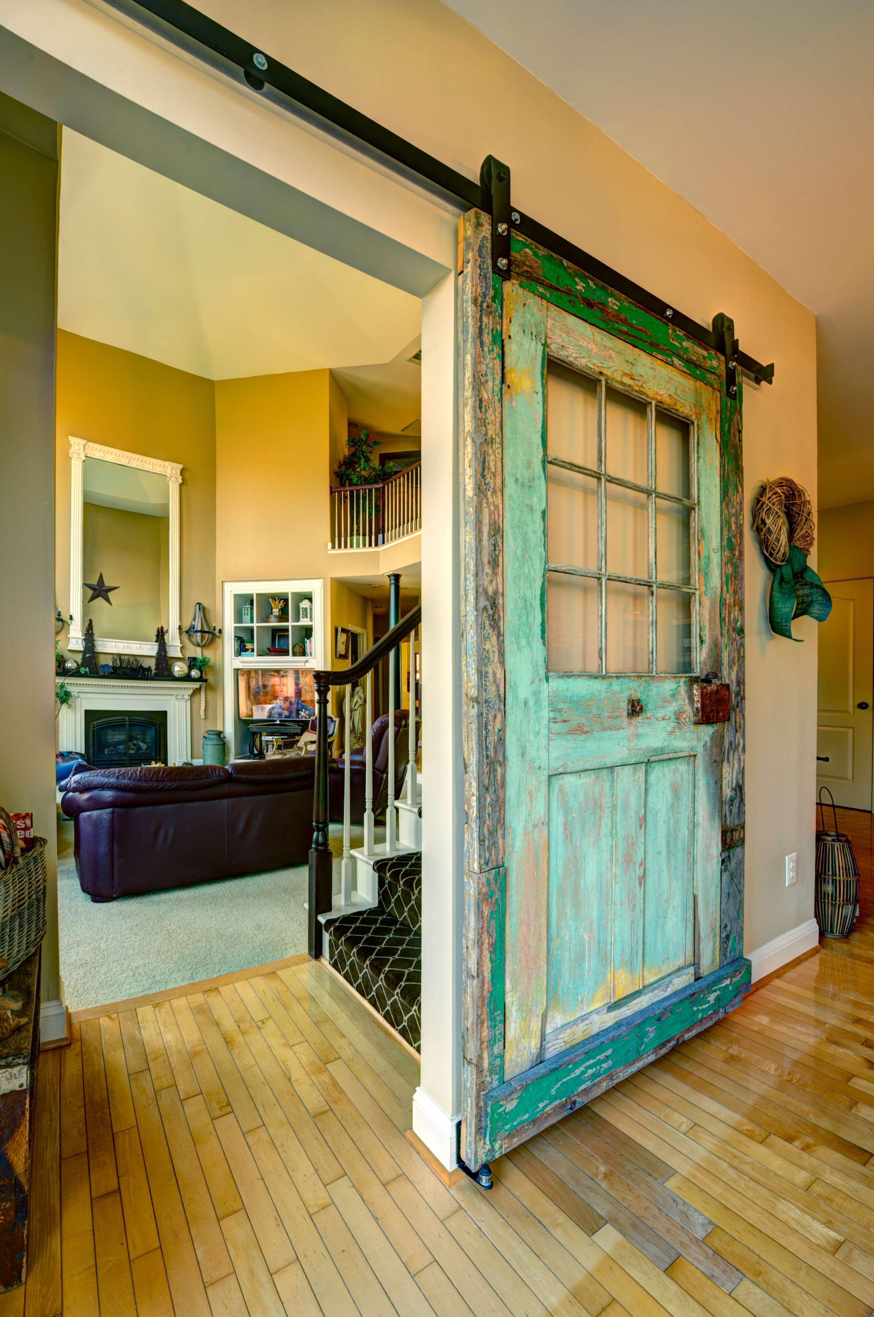 What Is Farmhouse Chic_Barn Door_Great Falls VA
