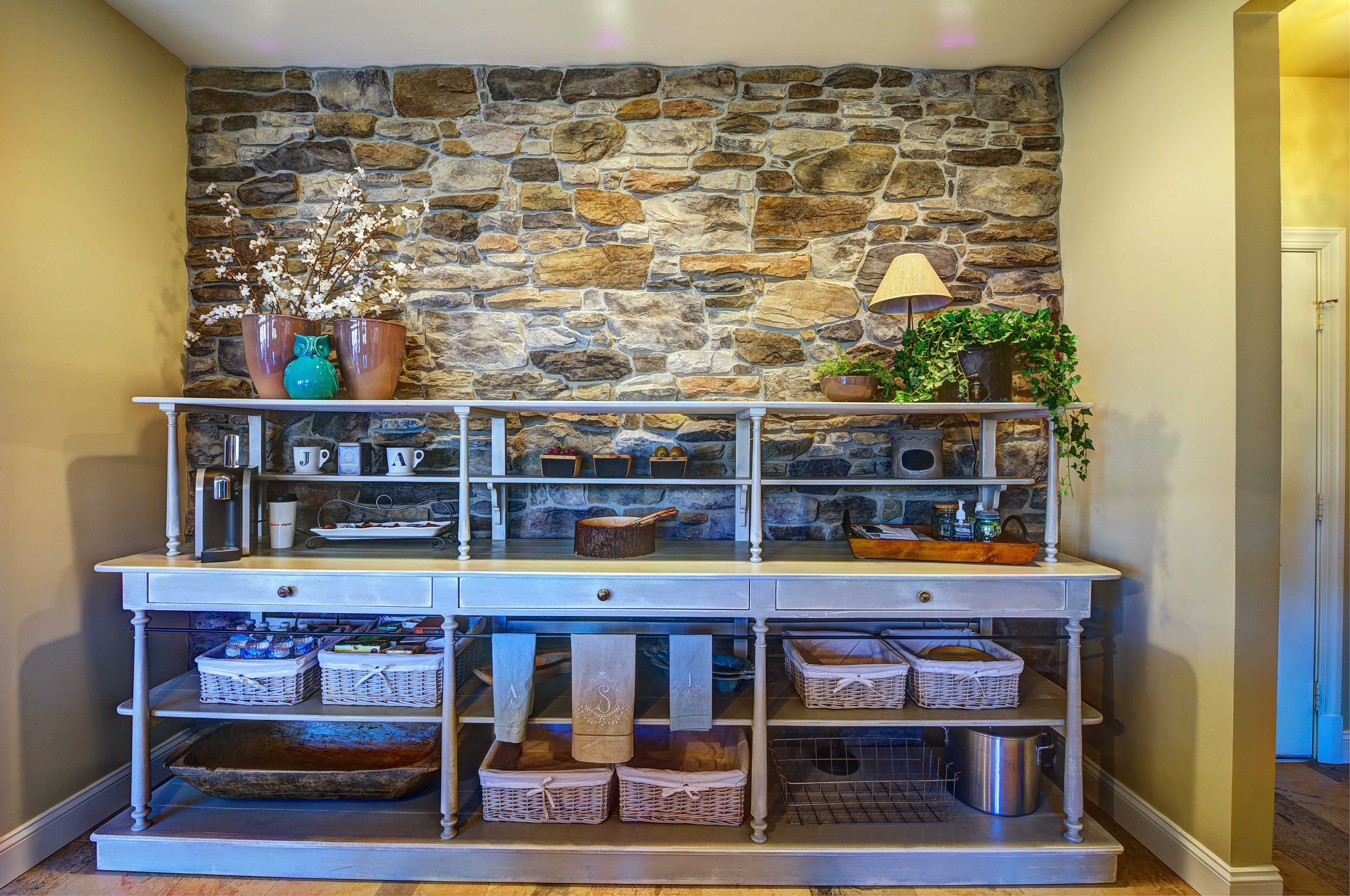 What Is Farmhouse Chic_Great Falls VA_Stone